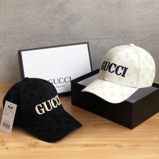 Image of GUCCI   Embroidered duck tongue hat