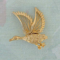 Flying Goose Duck Openwork Wire Goldtone Pin Brooch Wildlife Figural Jewelry
