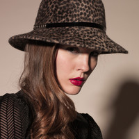SYNTHESIZER HAT