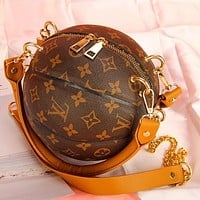 Louis Vuitton LV New Style Basketball Round Bag Portable Chain Bag Fashion Ladies One Shoulder Messenger Bag
