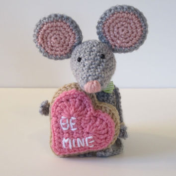 Valentine Mouse, Amigurumi Mouse with Valentine Cookie by CROriginals