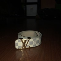 Authentic Mens white Louis Vuitton M9808 LV Damier belt. Size 36