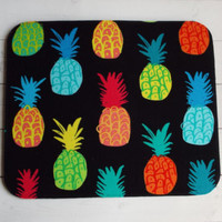 Mouse PAD - Mat - MousePad - Rectangle - colorful pineapples on black