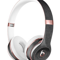 Grungy Black and GRay Surface Full-Body Skin Kit for the Beats by Dre Solo 3 Wireless Headphones