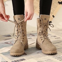 Fashionable plus-size Martin boots for ladies with velvety low-heeled warm boots for ladies