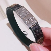 LV Louis Vuitton Trending Personality Stainless Steel Cowhide Hand Catenary Magnet Clasp Bracelet Accessories Jewelry