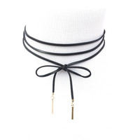 Around It Goes Choker Wrap Necklace In Black