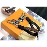 LV simple men and women wild keychain