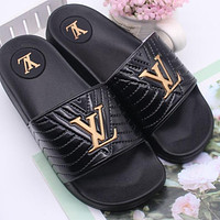 LV Louis Vuitton Summer Women's Shoes Slippers Sandals Trendy Thick-soled Wild Beach Slippers Black