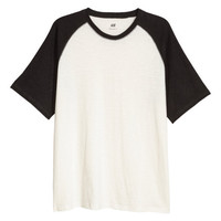 T-shirt with Raglan Sleeves - from H&M