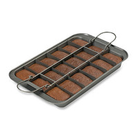 Chicago Metallic™ Slice Solutions 9-Inch x 13-Inch Brownie Pan