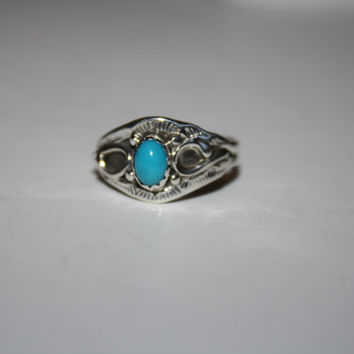 Beautiful Turquoise and Sterling Vintage Ring Size 6.5 - free ship US