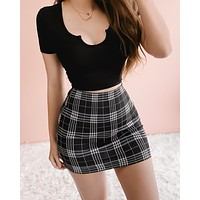 (disc.) THE GIRL TO WORRY ABOUT PLAID SKIRT