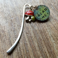 "Handstamped  and handpainted ""read me"" bookmark / alice in wonderland themed / handmade bookmark / mushroom charm / charm bookmarks"