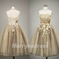 Retro Lace Applique Strapless Ball Gown Long Celebrity Dress,Tea length Tulle Formal Evening Party Events Prom Dress Homecoming Dress