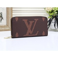 """LV""Louis Vuitton wild fashion simple print zipper double card long wallet Coffee"