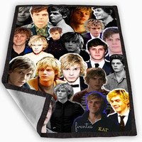 American Horror Story Evan Peters Blanket for Kids Blanket, Fleece Blanket Cute and Awesome Blanket for your bedding, Blanket fleece **
