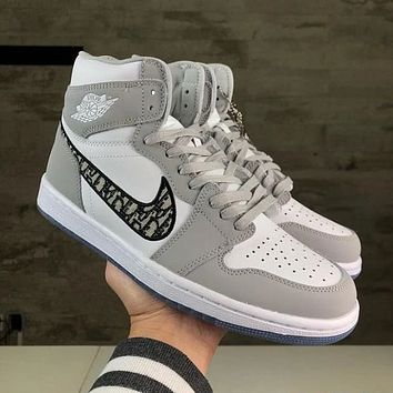 Hipgirls Nike Air Jordan Mid AJ1 new embroidered couple high-top sneakers Shoes