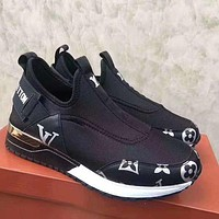 Louis Vuitton LV low-top running shoes comfortable and breathable sports shoes men's and women's casual shoes