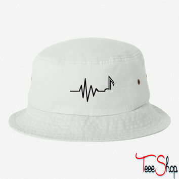 Frequency 3 bucket hat