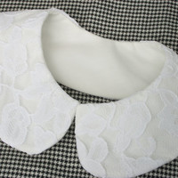 Peter Pan Collar ......      Detachable Collar ..... White   Cotton  /  White   Lace Over-lay