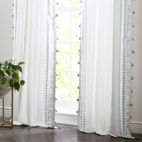 Amytis Curtain