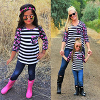 New Fashion 2017 Family Matching Outfits Patchwork flower Long sleeve Striped T-Shirts mother and daughter clothes family look