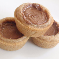 Chocolate Caramel Cookie Cups - Cinnamon Sugar Snickerdoodle Cookie Cups with Chocolate Caramel Candy Filling - five cookie cups