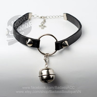 Black vegan leather kitty bell o - ring straps stainless steel spikes studs choker collar sexy rock punk lolita cosplay goth