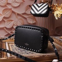 VALENTINO WOMEN'S NEW STYLE LEATHER INCLINED SHOULDER BAG