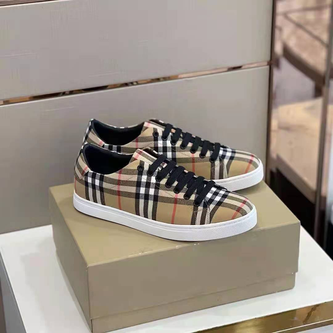 Image of BURBERRY2021  Men Fashion Boots fashionable Casual leather Breathable Sneakers Running Shoes0525cx