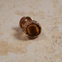 Round Vintage Faux Tiger Eye Tie Tack Lapel Pin Mens Formal Retro Groovy Imitation Tigereye Jewelry Accessories Gold Tone Guys Gift