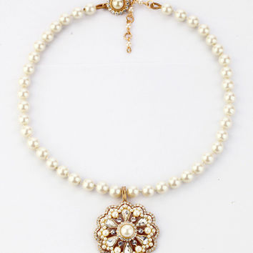 Vintage Inspired Pearls Statement Necklace