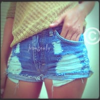 High waisted destroyed denim shorts by Jeansonly