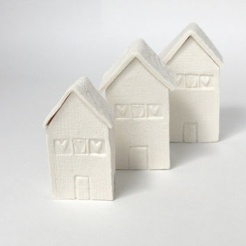 Tiny ceramic house white porcelain lace heart vessel jewellery box miniature dish collectable under 20