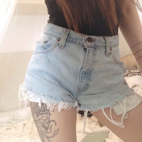 Levis high waisted fray shorts size: 28