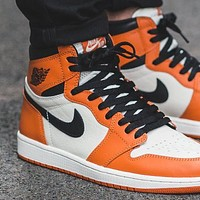 Trendsetter  Air Jordan 1  AJ1 OG Women Men Fashion Casual Mid-Top Skateboard Shoes