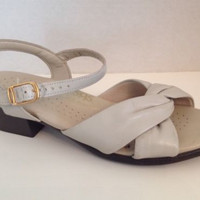 SAS Shoes Womens Size 7 Narrow Sandals Width Cream Made in USA 7N Open Toe