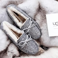 Tiktoki1 UGG Winter Popular Women Cute Sequined Bow-Knot Non-Slip Abrasion Resistant Rubber Sole Single Shoes Grey