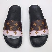 LV Louis Vuitton new letter printing gradient color men and women casual sandals beach slippers Shoes Coffee