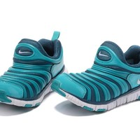 NIKE DYNAMO FOR KID Color Green Running Shoes