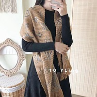 LV Louis Vuitton Autumn And Winter New Fashion Monogram Tassel Warm Scarf Women
