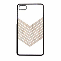 White Geometric Minimalist With Wood Grain BlackBerry Z10 Case