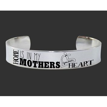 Home Is In My Mother's Heart Personalized Bracelet   Mother Gift