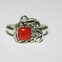 Size 5-  Vintage Womens Coral Ring Sterling Silver- free ship US