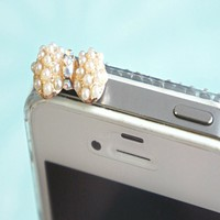 Pearl Studded Bow Phone Plug