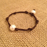 Knotted Simple Pearl Bracelet with Pearl Clasp