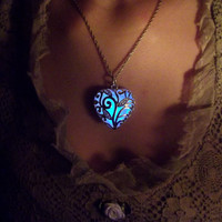 The Heart of the Forest | Glowing Necklace | Glowing Jewelry | Irish Susco