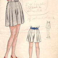 1940s Vogue Sewing Pattern 2486 Vintage Style Shorts Skort Skirt Pleated Woman's Waist 28 WWII Fashion