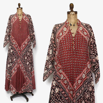 Vintage 70s Indian Cotton Dress / 1970s Pointed Sleeve Ethnic Batik Print Caftan Maxi